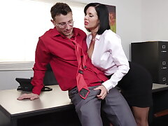 Sensitive milf Veronica Avluv gets fisted with the addition of fucked