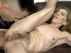 Athletic stud nicely fucks hairy pussy of experienced mistress