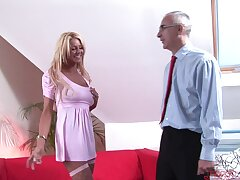 Naughty cougar Tia teases with an increment of gets fucked with missionary. HD