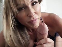 Bad Mommy - Aubrey Jet