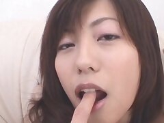Closeup video of hairy Japanese girl Noa getting fingered at home