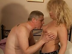 Heavy amateur wed Ember enjoys getting fucked in the evening