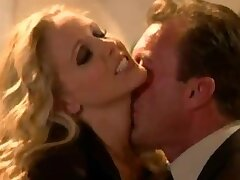 Seductive blonde babe with fat tits gets fucked - Julia Ann