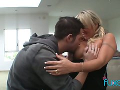 Kinky young dude fucks killing hot mature hooker and licks her ugly twat