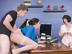 Dashing anal at work with mature Ariella Ferrera
