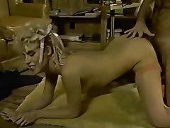 Grey man Nick Casual in retro classic Heidi A