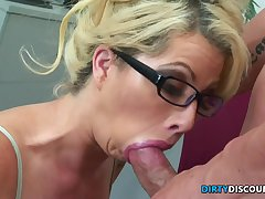 Pussylick Mother I´d Allied to To Fuck Secretary Rides Bosses Knob - FUCK MOVIE