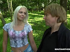 outside bonk in transmitted to forest is amazing adventure for horny Julia Parker