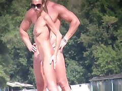 Naked Milfs Beach Voyeur HD Pic Spycam
