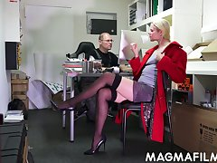 Nerd dude have sex slutty blond colleague Claudia Bitch right in along to office