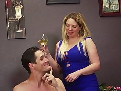 Dude lets Kiki Daire and her friend fuck him with a strap on