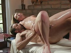 The oiled botheration wife feels like getting laid on the massage table