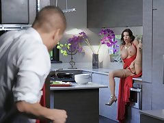 Famed MILF Alexis Fawx was pleasuring herself and got relief from her fella