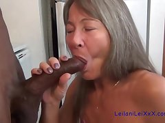 Snug titted granny is sucking cock better than choicest of women, because she likes pursuance it