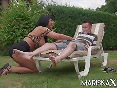 MARISKAX Naughty cougar Valentina Ricci gets ass fucked