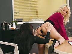 Team a few lesbian colleagues try anal sex overhead the table in the office