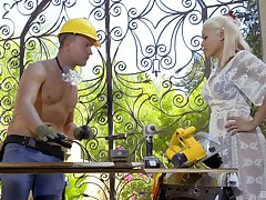 Construction worker gets the surprise of his ricochet boundary with Luna Star