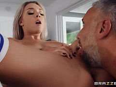 Deep sex kick the bucket the man licks her firsthand cunt and butt cleft