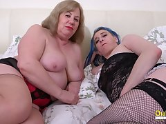 OldNannY Order about Mature Lesbians Using Sex Toys