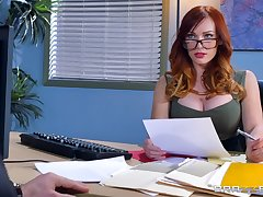 Smashing hard sex for the cissified boss in scenes of crazy XXX